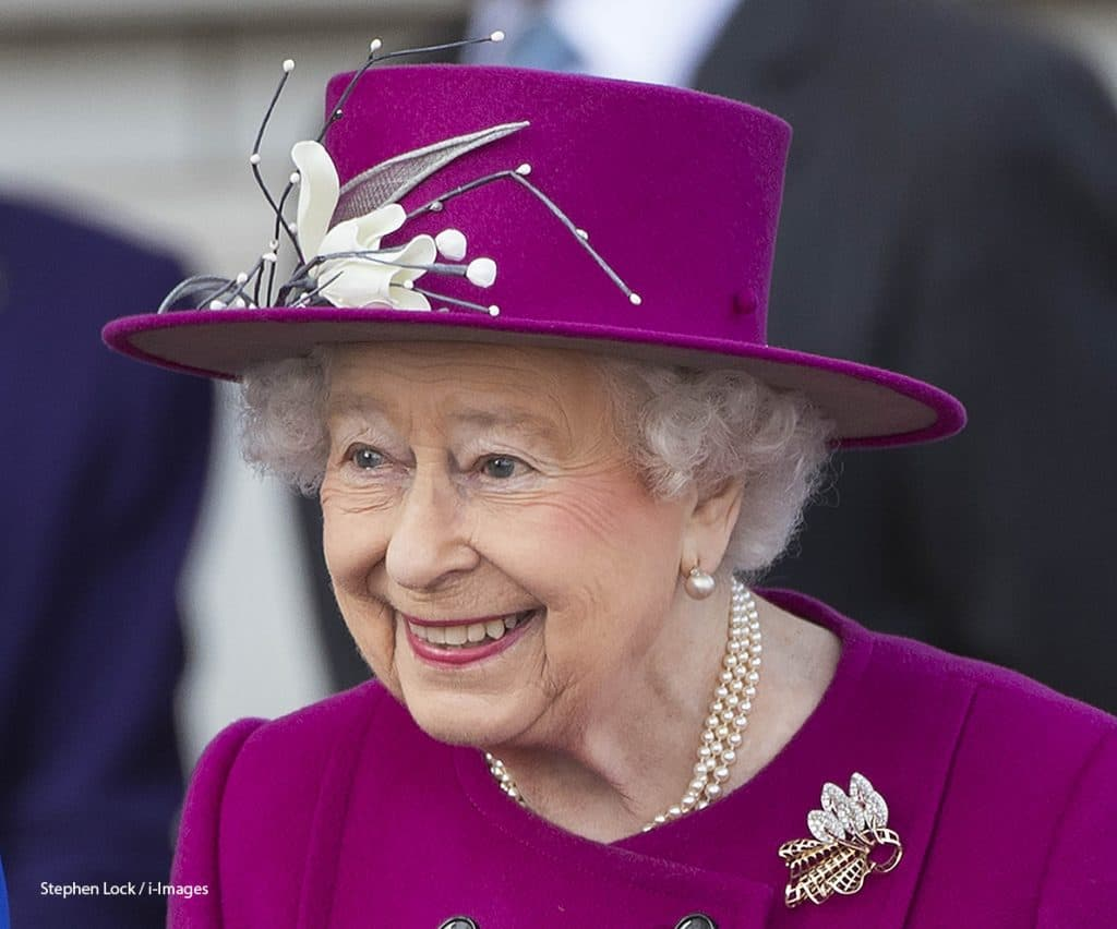 Queen Elizabeth II gold-and-diamond royal brooch at Commonwealth baton relay start at Buckingham Palace, March 2017