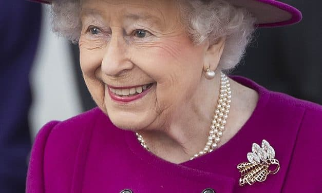 Gold-and-diamond trellis royal brooch