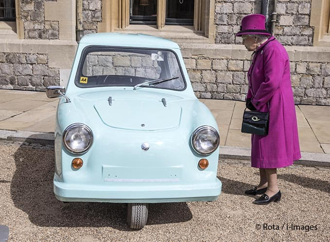 Queen Elizabeth II at the anniversary of Motability at Windsor Castle just after of her 91st birthday