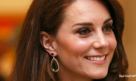 Kate goes wild for dramatic earrings