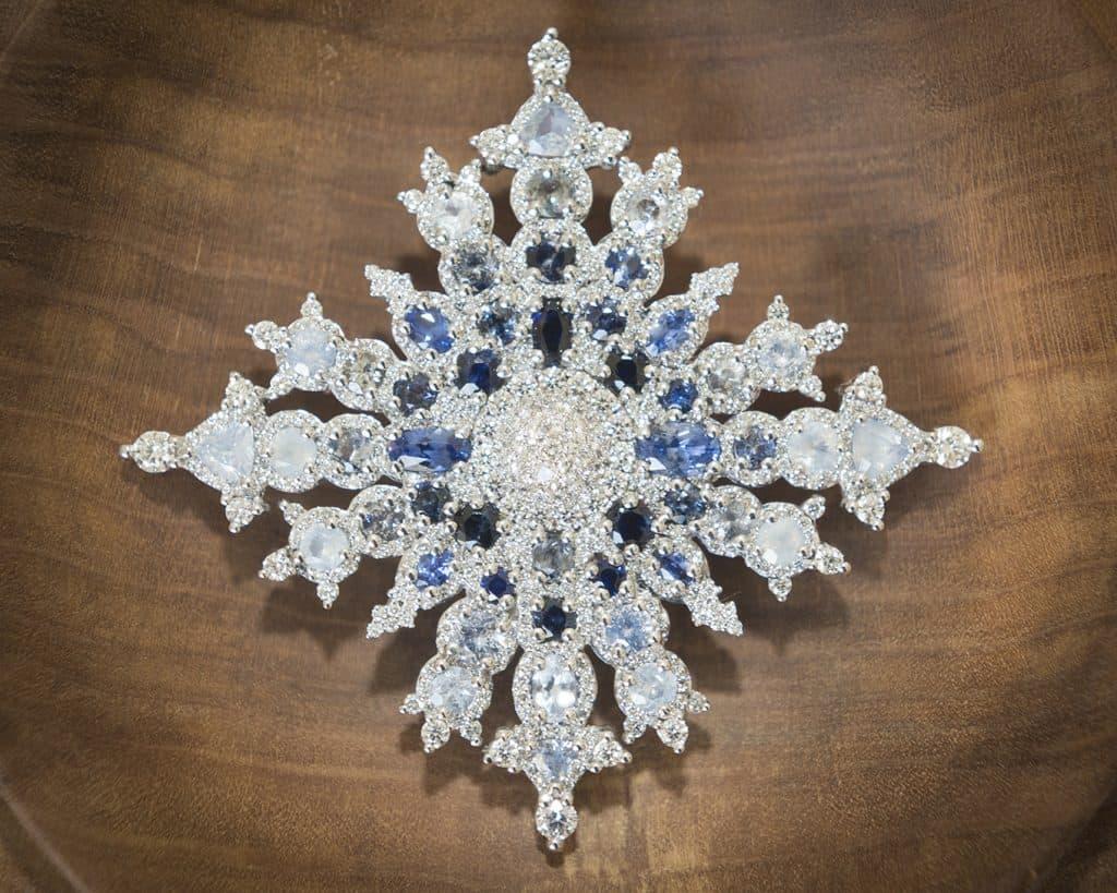 Queen Elizabeth II Canadian Snowflake brooch 2017