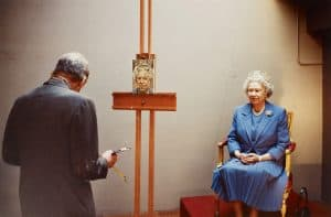 The Queen sits for Lucien Freud, 2001 by David Dawson, c-type print. Royal Collection Trust, copyright: Her Majesty Queen Elizabeth II 2017